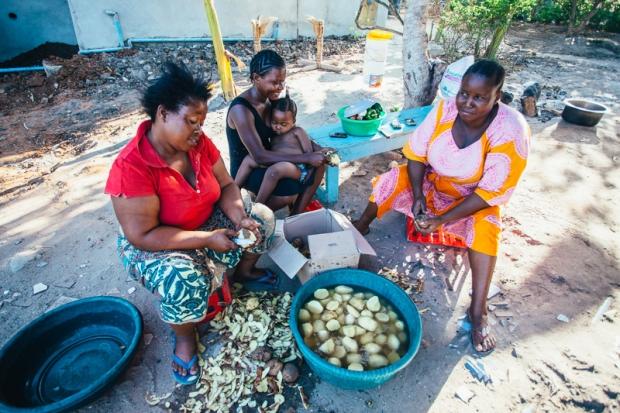 Art In Tanzania Kitchen Mamas