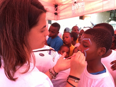 Intern student doing a face painting